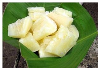 Kappa puzhugiyathu-Boiled Tapioca with Onion Chutney