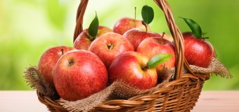 'An apple a day keeps the doctor away.' Is it really true? Have a look at the benefits of eating apple