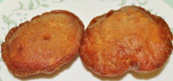 Neyyappam or Sweet fried pancakes