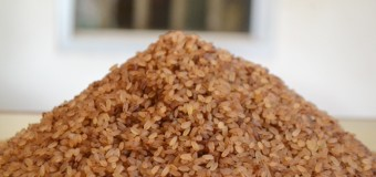What makes Kerala red rice or Matta rice a healthier choice than white rice?