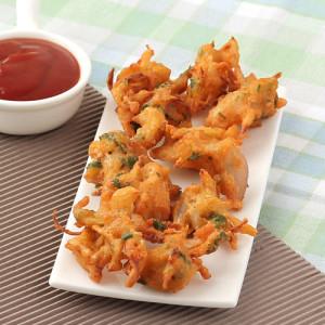 onion-pakoda-onion fritters-ulli vada