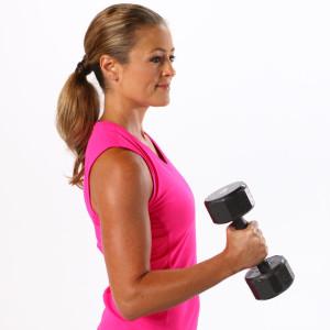 Beginner-Arm-Workout-Weights-trainig in women