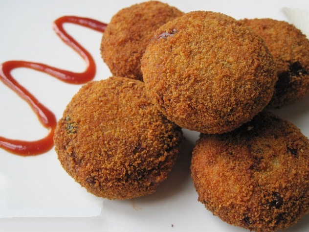 Soft and crispy Chicken Cutlet
