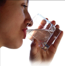 drinking-glass-of-water- moon diet