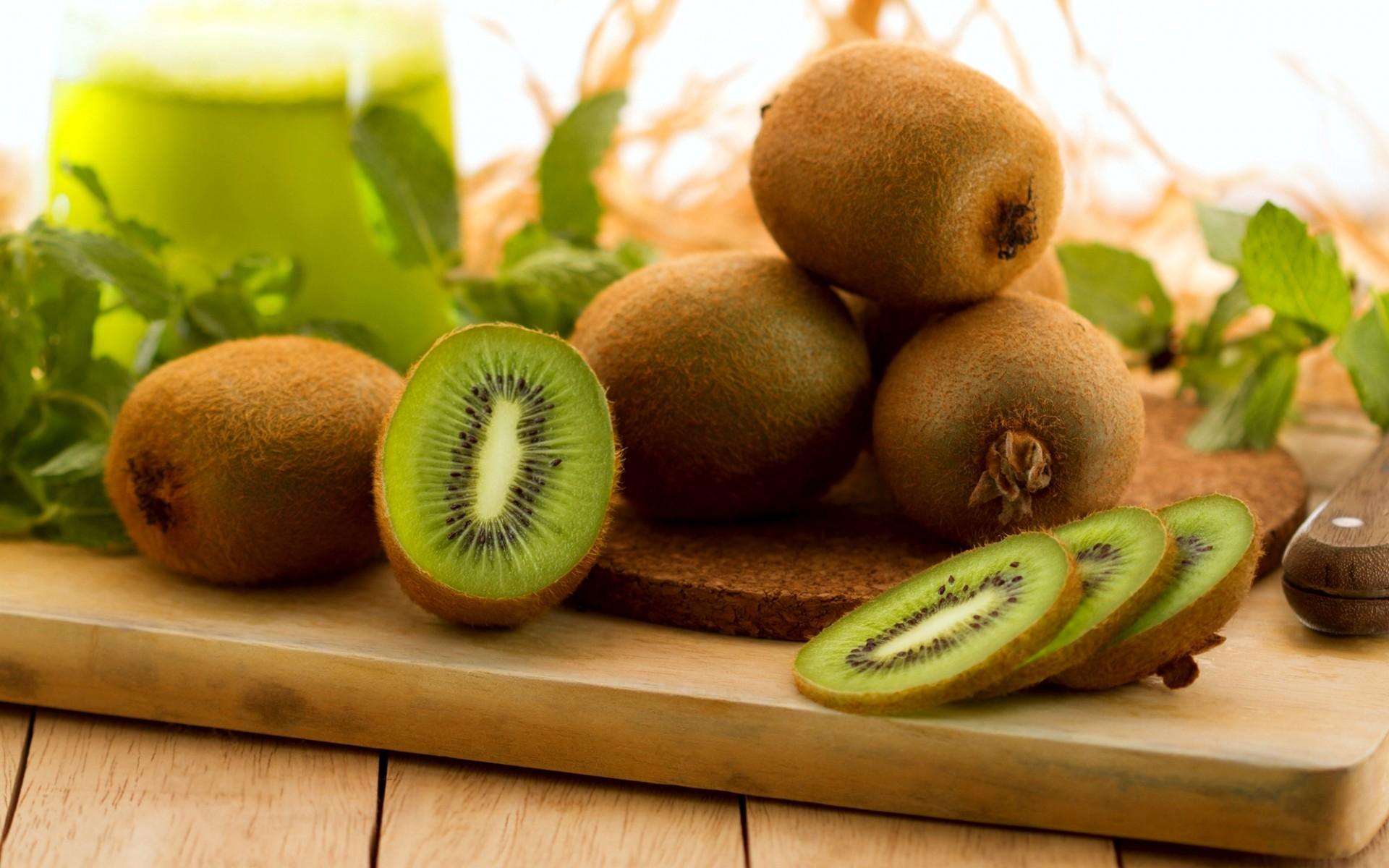 KiwiFruit (Chinese Gooseberry) - An ideal fruit for better health