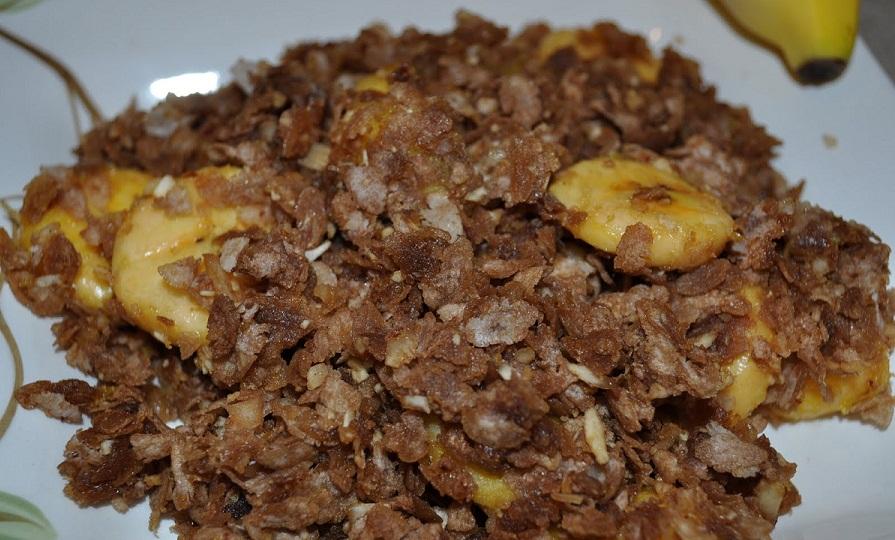 Aval Nanachathu or Moisturized brown rice flakes