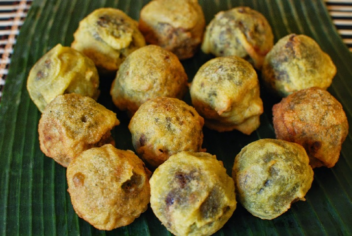 Sukhiyan or Green gram snack