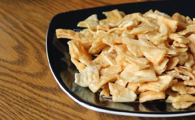 Unakka kappa varuthathu, Traditional Dry fried tapioca chips