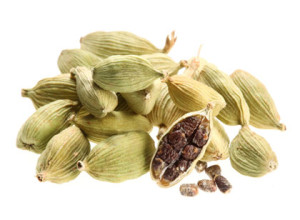 cardamom dried with seeds and pods from NatureLoc