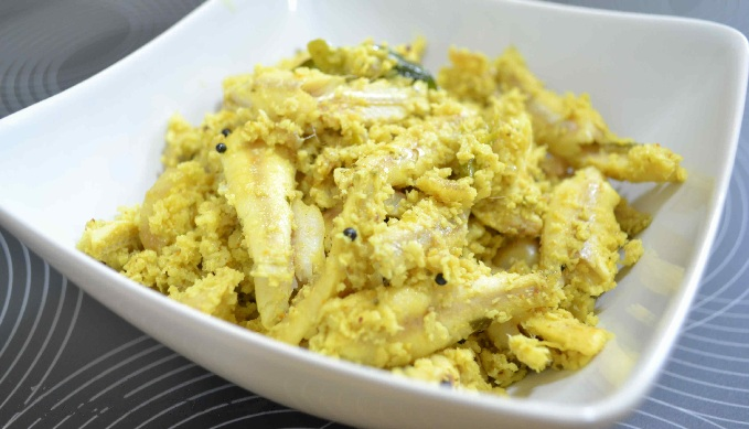 Meen Peera or Kerala Style Fish Curry Recipe with grated coconut
