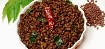 Vanpayar Mezhukkupuratti or Stir fried red peas