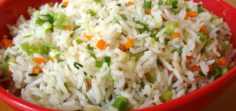 How to make vegetable fried rice at home?