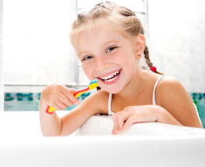 kids-brushing-teeth with brush