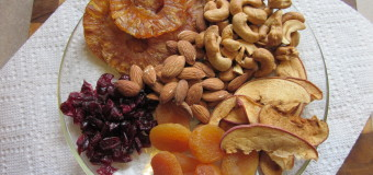 Nuts and Dry Fruits –  The best substitutes for common spicy snacks