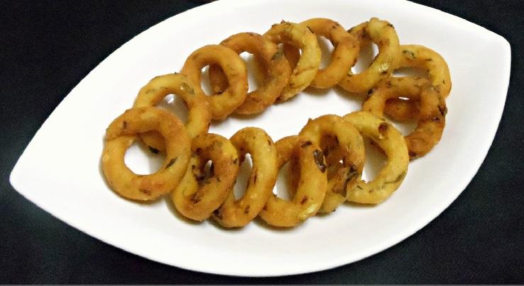 Spicy Mosaru Kodubale, Crispy Rice Flour Rings using Curd