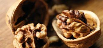 Walnut (Akhrot) -For Healthy Glowing Skin