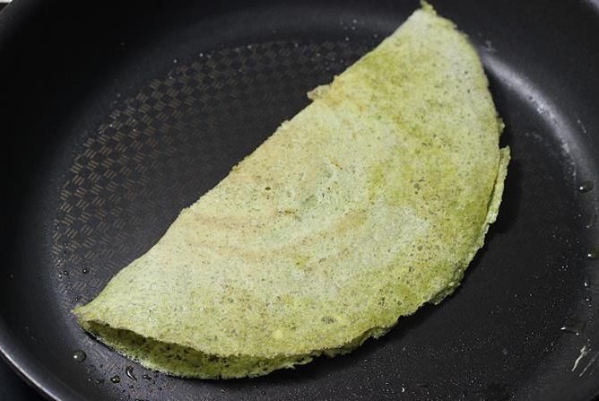 pesarattu-or-moong-dal-dosa-recipe