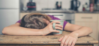 Drowsiness : 4 reasons why you feel so tired all the time – and few remedies for it