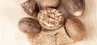 5 Quick Ways To Use Nutmeg (Jaiphal) For Skin At Your Home