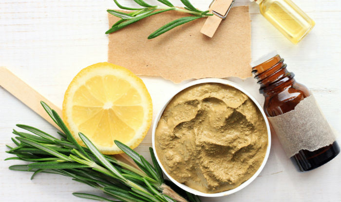 Multani Mitti Skin Benefits